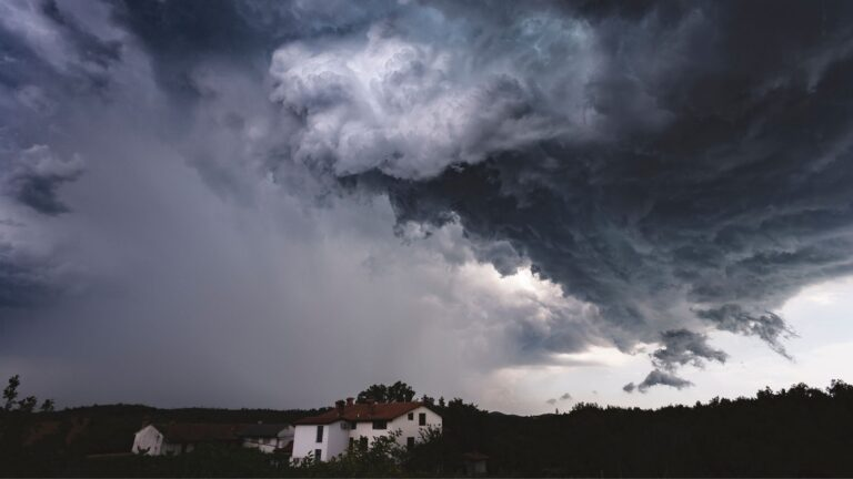 Central Florida Storm Season Can Deliver Water Damage & Mold